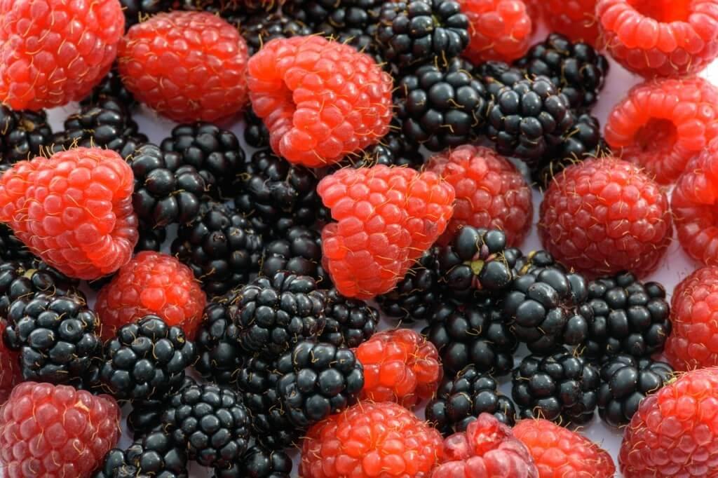 ягода-малина-ежевика