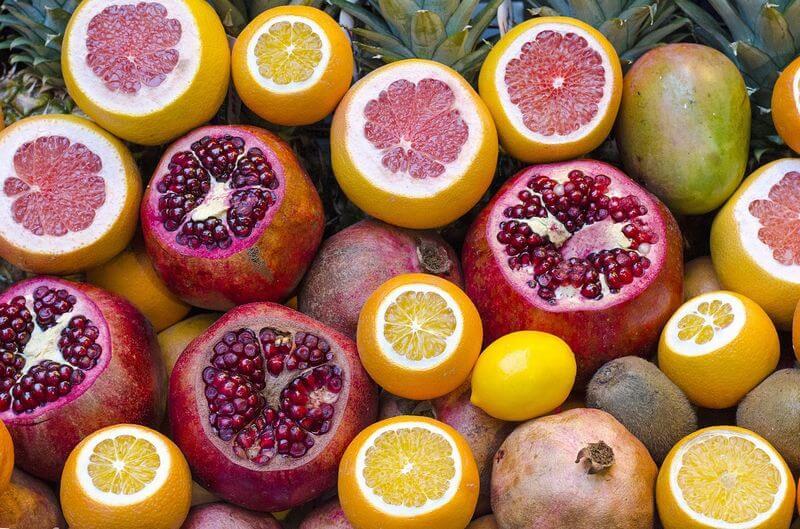 фрукты и гранат
