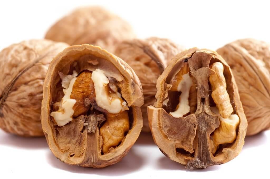грецкие орехи и мелатонин