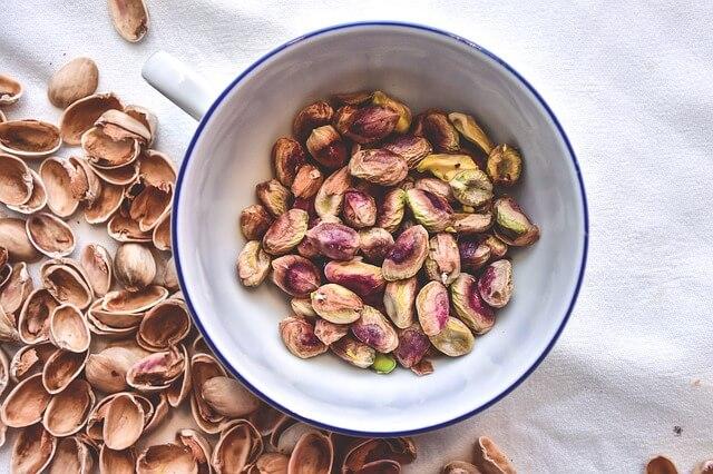 pistachios-2221154_640
